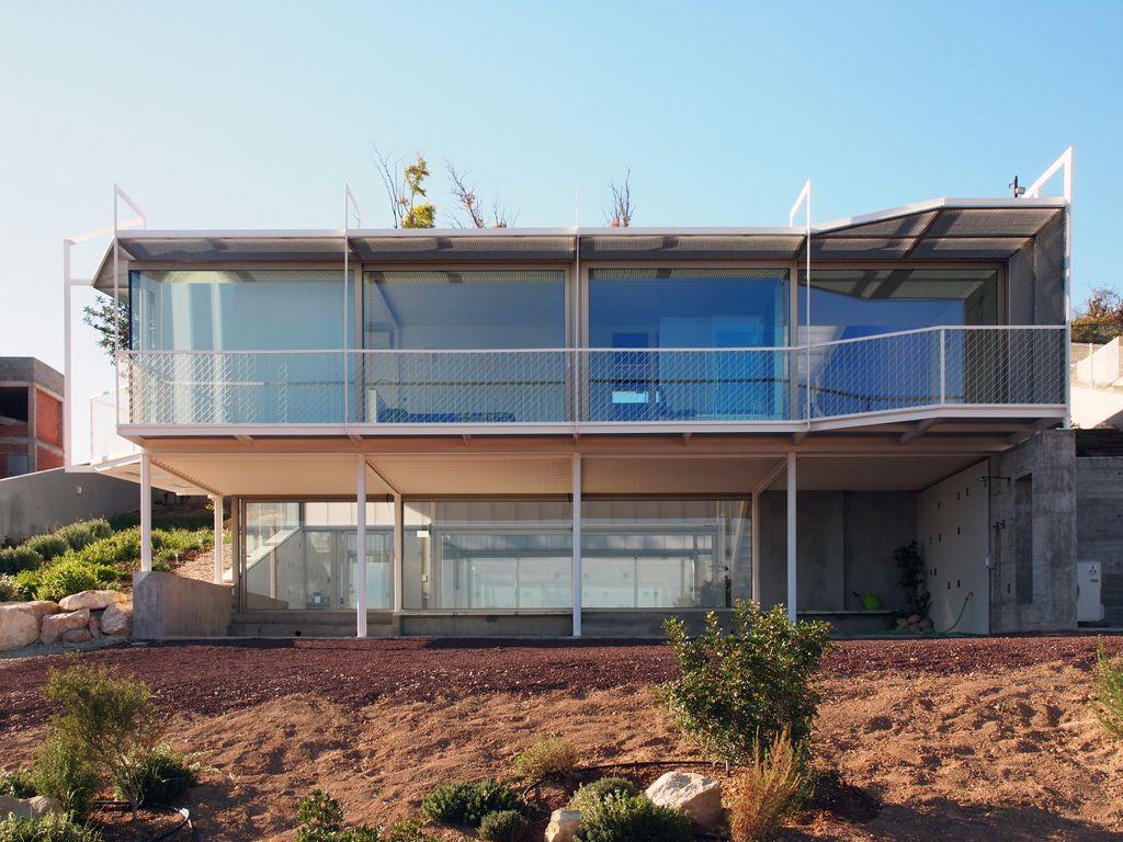 Edificación unifamiliar con gran ventanal